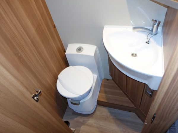 Weinsberg 700 ME toalett